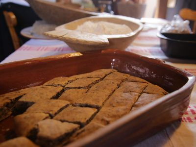 Priprema tradicijskog kolača Pogača z oreji